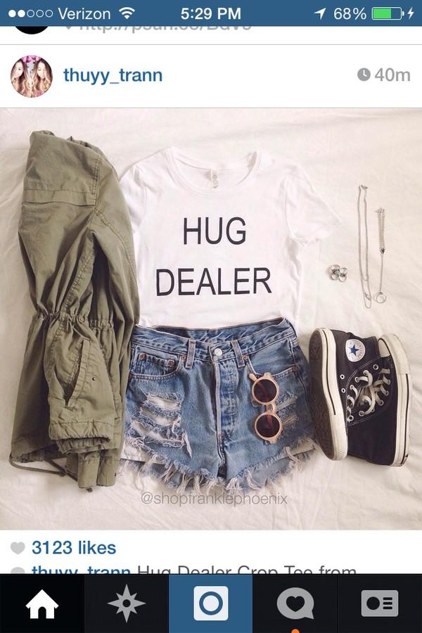 t-shirt white shirt hug dealer jacket