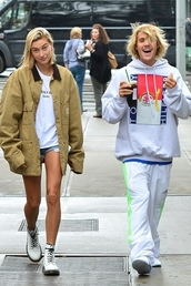 pants,sweatpants,sweatshirt,justin bieber,hailey baldwin,streetstyle,model off-duty,shorts,denim shorts,jacket,hoodie,menswear,mens sweater