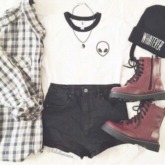 plaid shirt grunge alien yin yang black shorts drmartens black beanie burgundy boots white top plaid t-shirt
