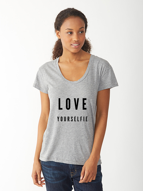 Pineberry — Loose fit Love Yourselfie tshirt
