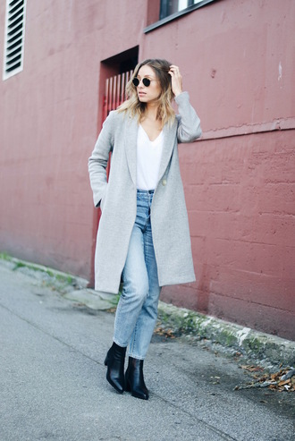 the august diaries blogger coat jeans shoes t-shirt sunglasses