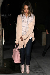 shoes,ankle boots,jessica alba,scarf,cardigan