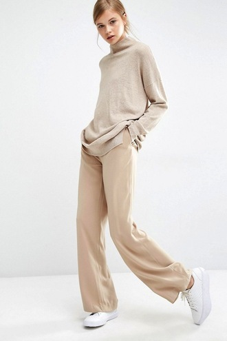 lefashion blogger sweater pants nude beige beige sweater nude pants beige pants white sneakers all nude everything