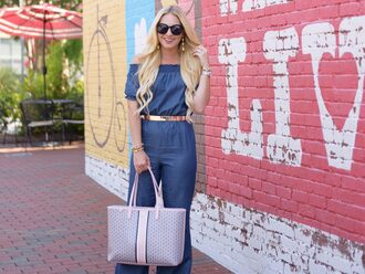 cortinsession blogger jumpsuit jewels bag shoes sunglasses tote bag blue jumpsuit