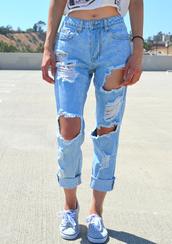 jeans,denim,acid wash,light blue,light washed denim,light wash jeans,boyfriend jeans,ripped jeans,distressed denim,ripped light jeans,ripped boyfriend jeans