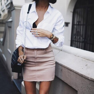 skirt pink skirt dusty pink mini skirt frayed white shirt shoulder bag cute outfits outfit idea