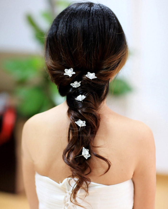 Chic Graceful Rhinestoned Flower Shape Hair Stick For Bride