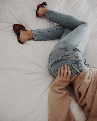 jeans tumblr denim blue jeans sweater nude sweater slide shoes beige sweater loafers smoking slippers lazy day