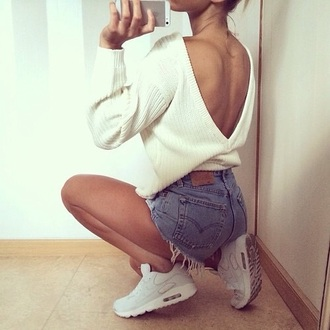 top creme backless top knitted cardigan shorts