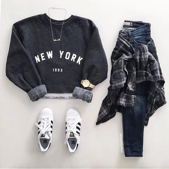 long sleeves grey sweater necklace skinny jeans white sneakers adidas watch plaid