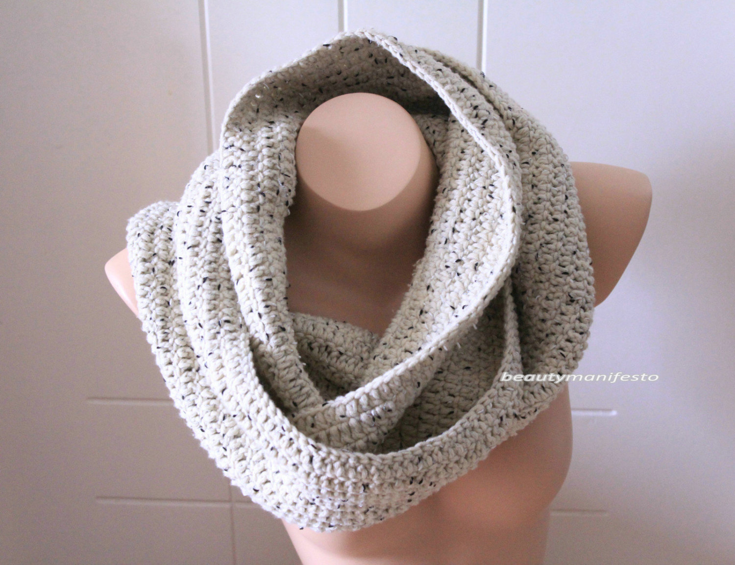 Oversized knit scarf,oversized chunky infinity scarf in oatmeal brown color,crochet infinity scarves, men's scarves