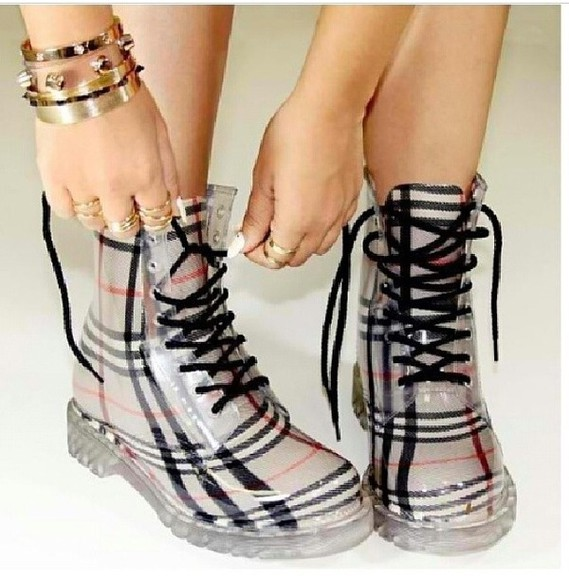 shoes burberry docs boots