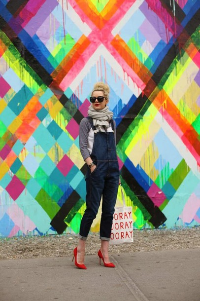 atlantic pacific shoes t-shirt scarf sunglasses bag