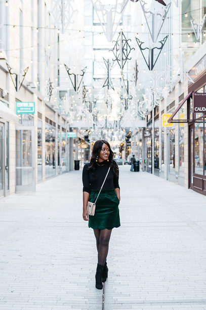 blogger tights shoes jacket skirt jewels green skirt crossbody bag boots