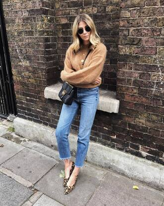 sweater nude sweater tumblr beige beige sweater denim jeans blue jeans shoes leopard print bag fall outfits sunglasses