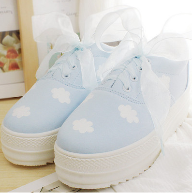 Clouds Shoes Online