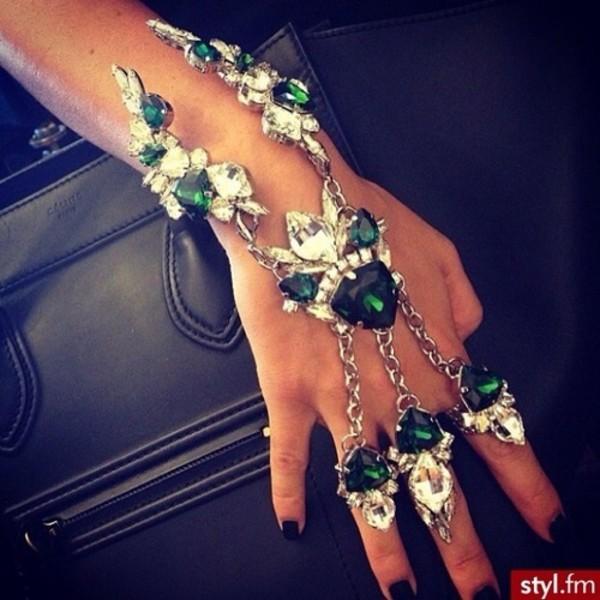 Красивые украшения на руку своими руками