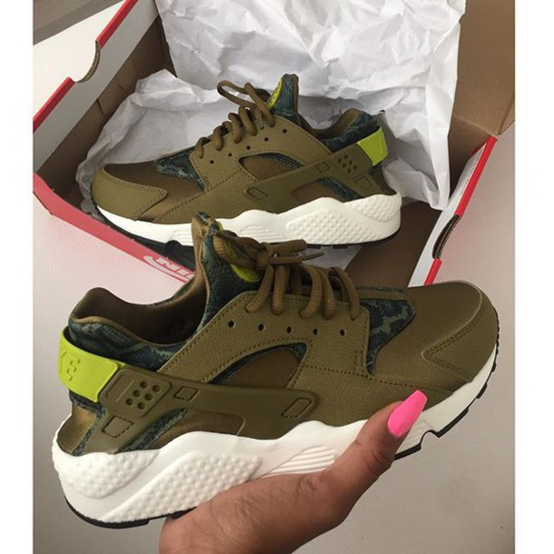 753bfab99eb08 shoes oliver color huarache nike air huaraches army green huaraches army  green low top sneakers green