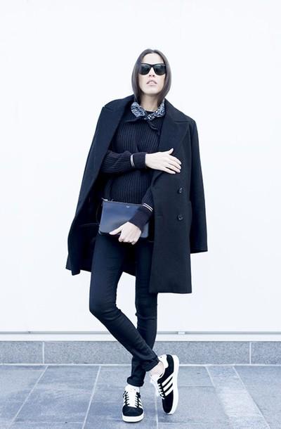melissa araujo blogger coat sweater jeans shoes jewels sunglasses