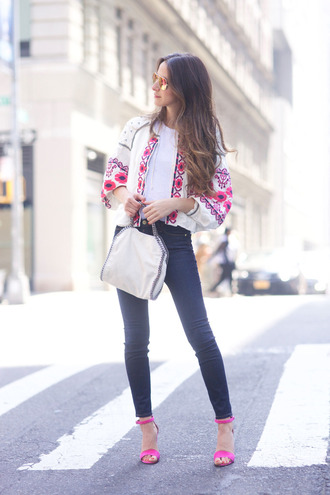 something navy blogger jeans shoes jacket t-shirt bag sunglasses