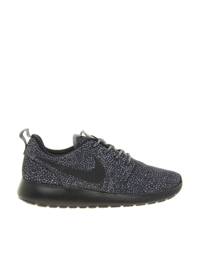 Nike | Nike Rosherun Black and White Printed Trainers at ASOS