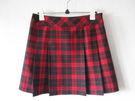 Black Red Tartan Plaid Mini Skirt Pleated Checkered Size Medium