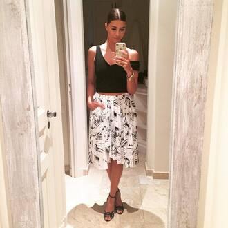 skirt printed skirt shiva safai celebrity white skirt top black top crop tops black crop top high heel sandals sandals black sandals summer outfits