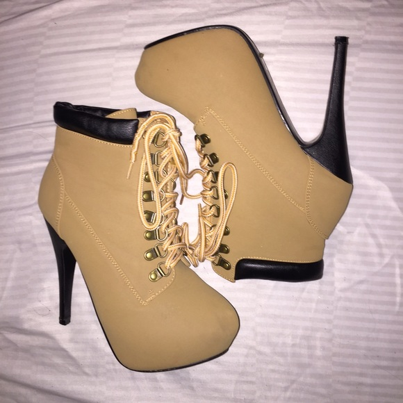 Timberland Style Tan Lace Up Heel Boots 7 from Olivia's closet on Poshmark