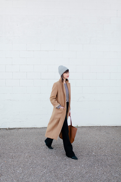 stylebee blogger coat top fall outfits beanie tote bag beige coat winter outfits black pants