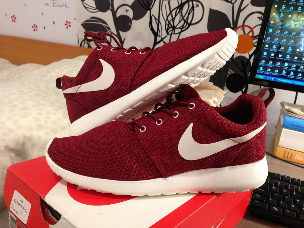 nike roshe run red sail maroon