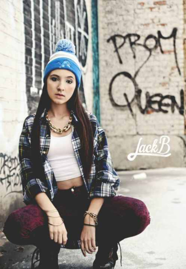 hat beanie shirt flannel jeans necklace boots jewels
