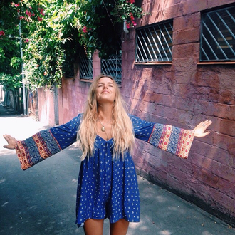 dress blue long sleeves patterned sleves bohemian boho hippie gypsy long sleeve short blonde hair short dress casual polka dots polka dotted beach chill boho dress bell sleeved dress