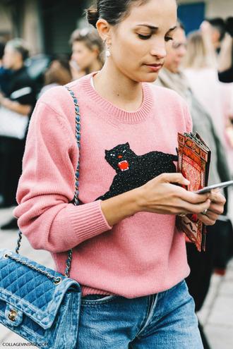 sweater pink sweater jaguar animal jumper straight jeans chanel bag quilted bag velvet bag animal face print embroidered embellished pink jumper fine knit jumper streetstyle