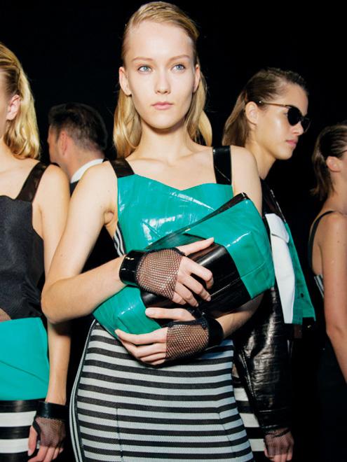 Roland mouret virtual store, buy roland mouret dresses online