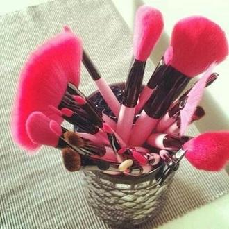 make-up makeup brushes pink