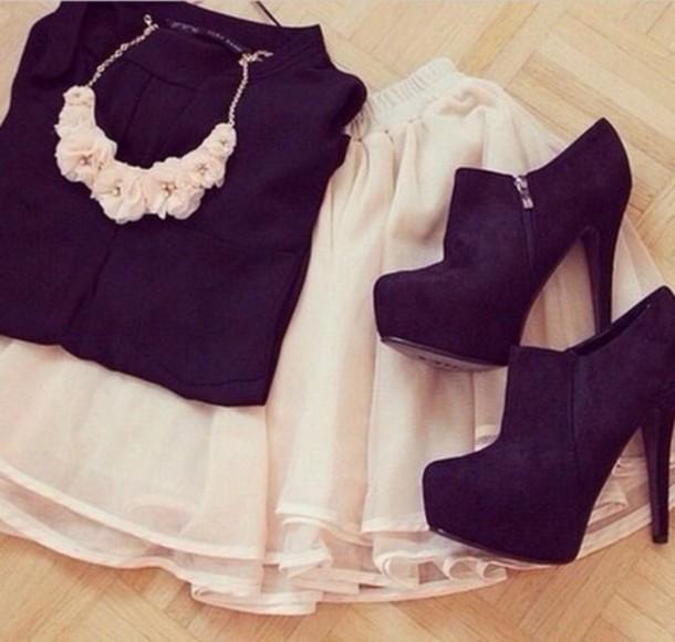 shoes black boots black boots black heels heels skirt black t-shirt