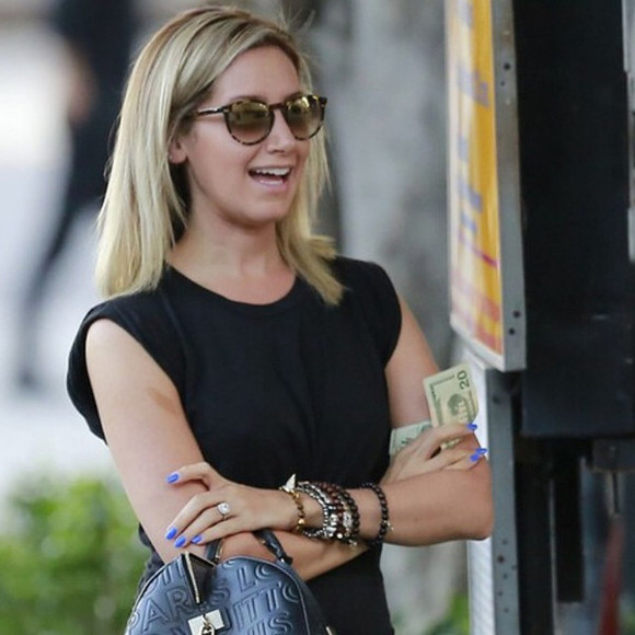 ashley tisdale sunglasses jewels bracelets