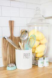 home accessory,kitchen,pastel green,mint,food,dinnerware