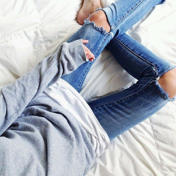 grey sweatshirt grey sweater comfy outfits comfy plain top plain