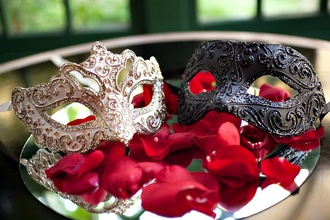 jewels masquerade masks mask wedding clothes masquerade wedding. champagne sparkles plastic get married el