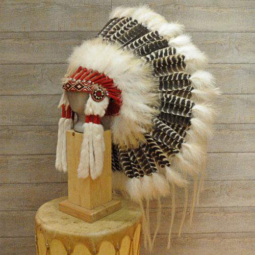 Coiffe indienne Navajo, plumes d'oie, lapin, crin de cheval  | Harpo Paris