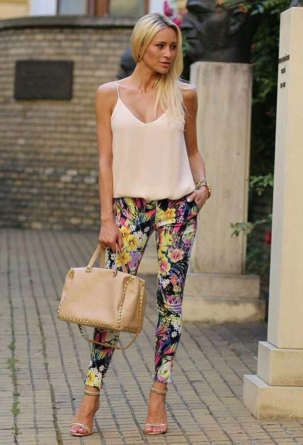 pants floral floral top fashion jeans shoes tank top white floral pants floral printed pants blouse floral jeans skinny pants skinny floral