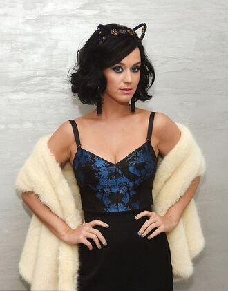 top katy perry bustier cat ears corset blue top black skirt fur coat white coat pants celebrity style celebrity black pants coat hair accessory hairstyles high waisted pants
