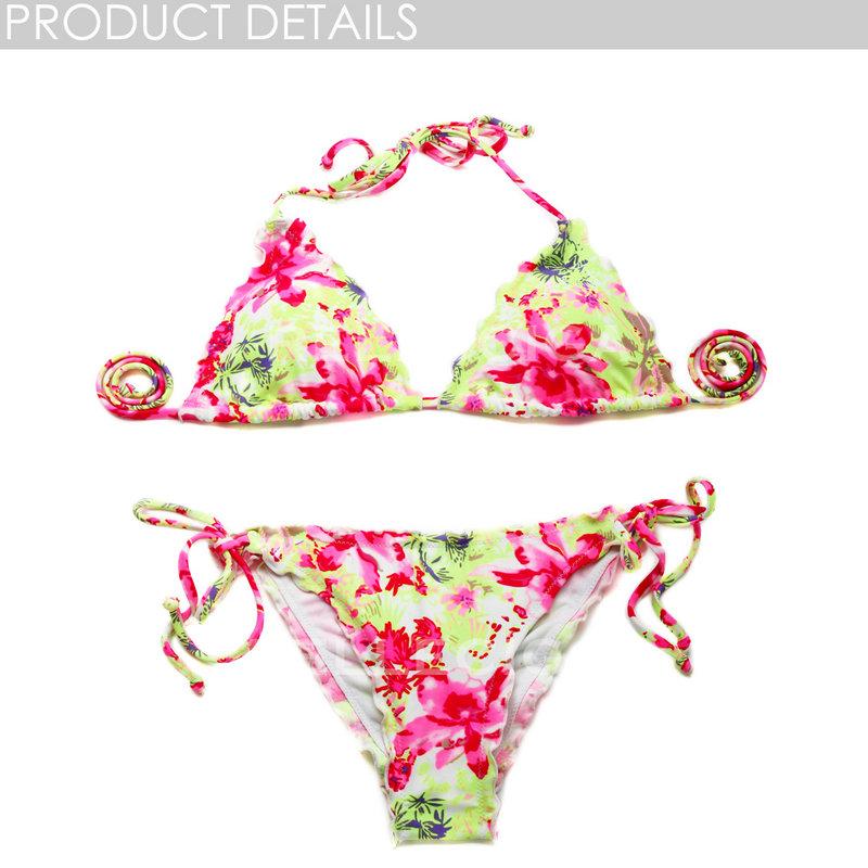 High contrast blooming floral bikini swimwear with ruffle