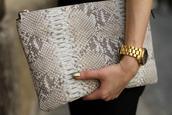 bag,clutch,envelope clutch,snake skin