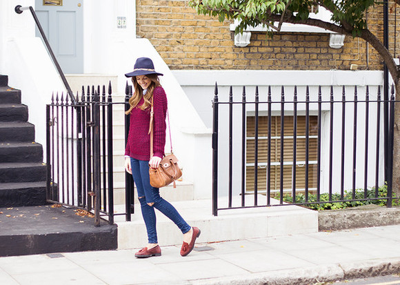 knitwear blogger jewels jeans love of cloth felt hat ripped jeans