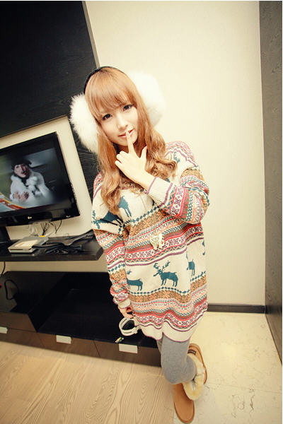 Classy Oversized Reindeer Snowflake Print Dolman Sleeve Pullover Sweater  -  BuyTrends.com