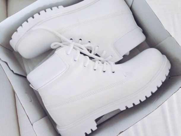 shoes white shoes boots white beautiful sneakers white boots