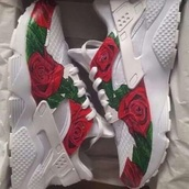 shoes,nike,dope,fashion,trendy,rose,huarache,custom,nike running shoes,nike shoes,hurarches,white nike huraches,roses,red,white,green,sneakers,nike sneakers,dope wishlist,dope shit,like,cute,sexy,red rose,nike hurraches,hurraches
