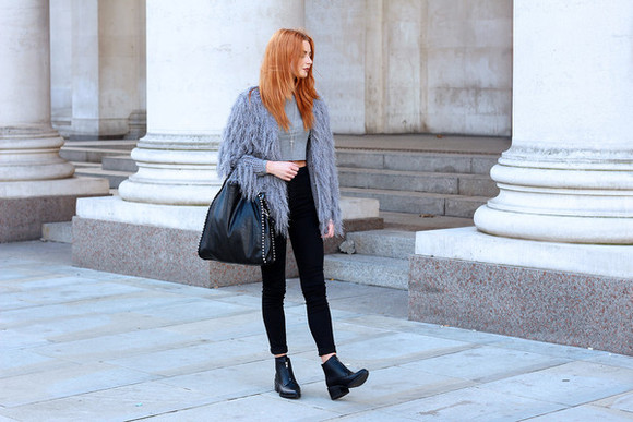 blogger jacket bag black boots top jeans hannah louise fashion